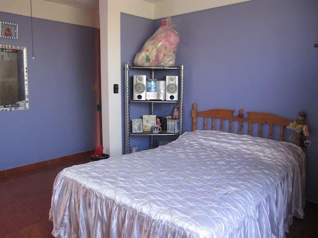 Dos habitaciones cama matrimonial - Santa Maria Acolman