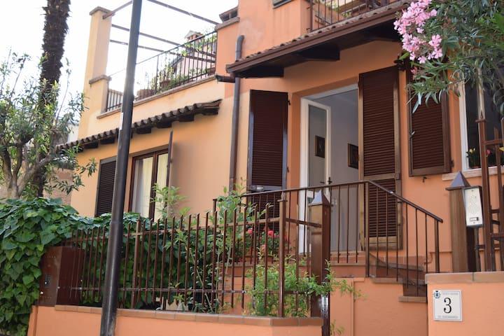 Villetta sul lungolago su 2 piani - Gargnano - Casa
