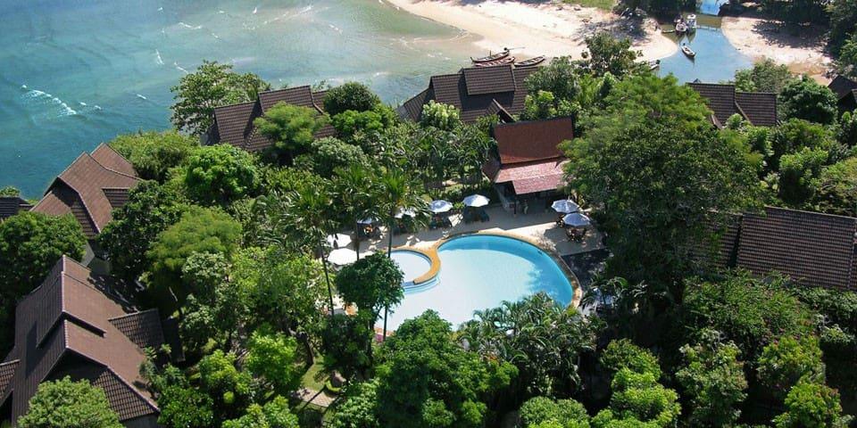 Absolute ocean front Private Villa - Kammala