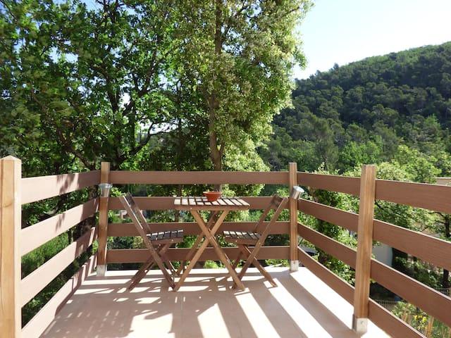Bel appartement en lisière de forêt - Rocbaron - Wohnung