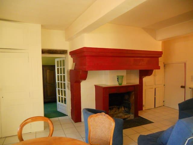Un bel appartement dans un village historique - Pont-en-Royans - Departamento