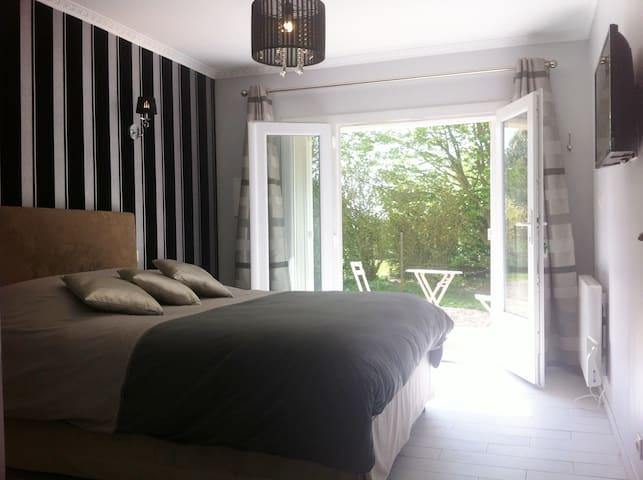 """Chambre d'hôtes design """" la rétro"""" - Estouteville-Écalles - Bed & Breakfast"""