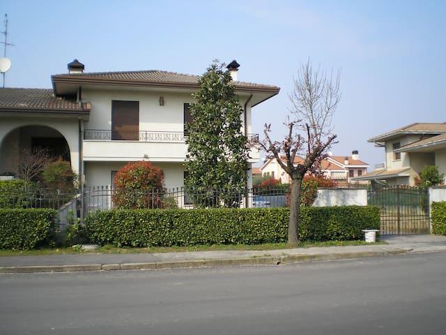 Camera matrimoniale ai piedi colli - Teolo - Villa