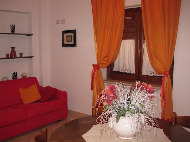 La casetta arancione - Stroncone - Hus