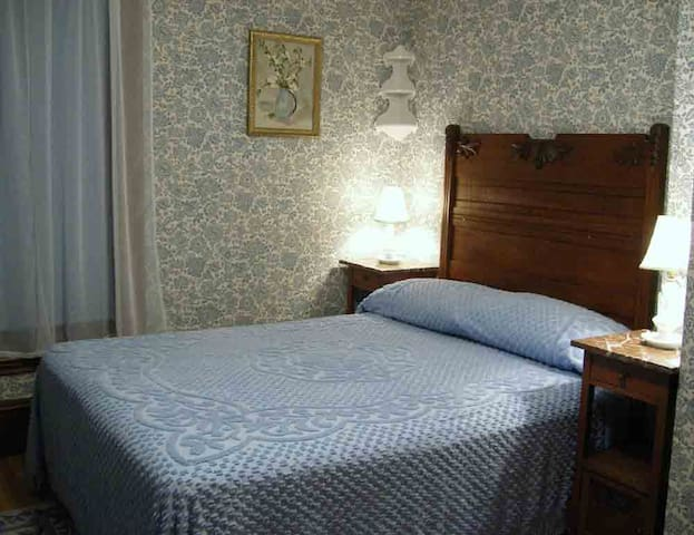 B&B Private Bath, Gourmet Breakfast - Westport - Bed & Breakfast