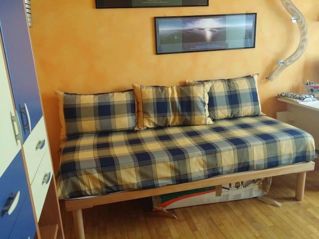 Bedroom Brixia North (2h to EXPO) - Bovezzo - Departamento