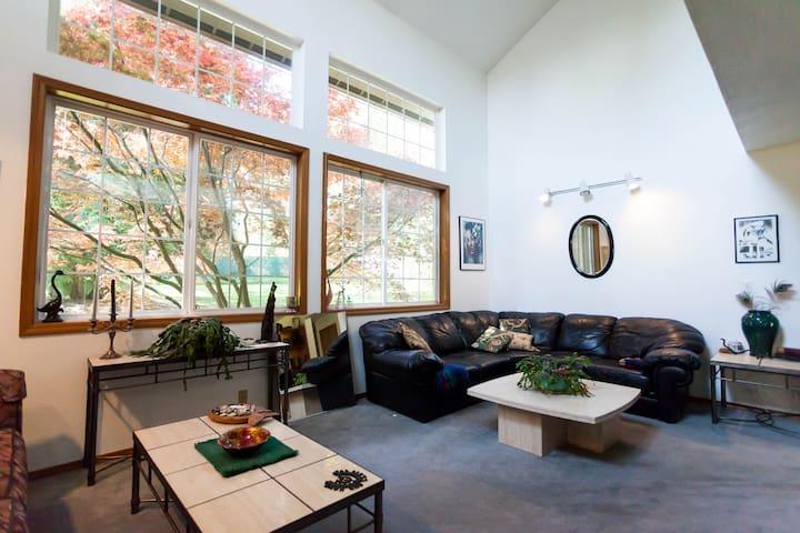 Private Lakeland Cedars Guestroom - 奧本(Auburn) - 獨棟