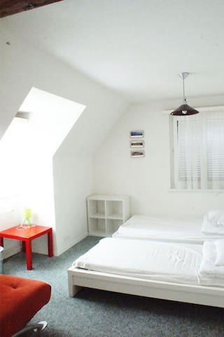 Sunny rooftop apartment +big terrace+free parking - Lucerne - Casa
