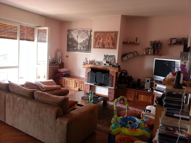 Stanza in appartamento - Varese - Daire