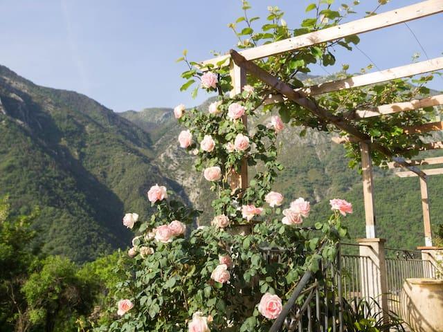 Logement indépendant  face montagne - Villars-sur-Var