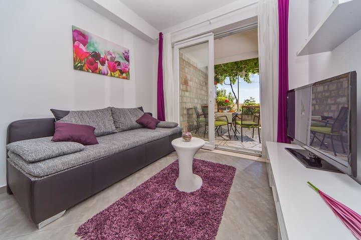 Apartment Flora - Mlini