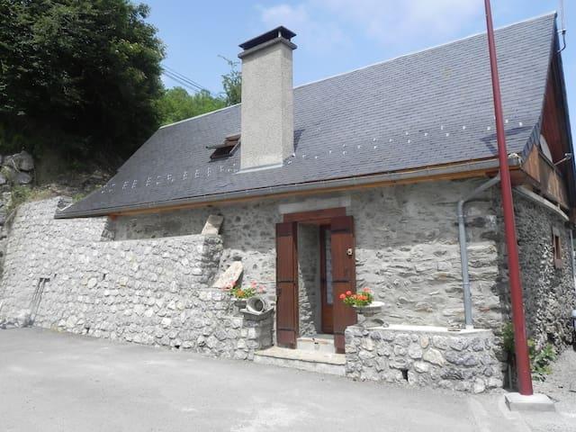 La grange - Gouaux-de-Larboust - Rumah