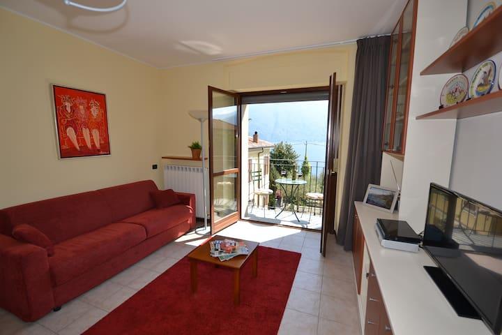 Amazing Como View Apartment for 4 - San Siro (CO) - Apartemen