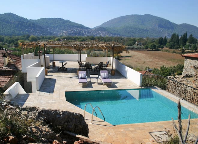 Renovated villa with private pool - kayakoy - Hus