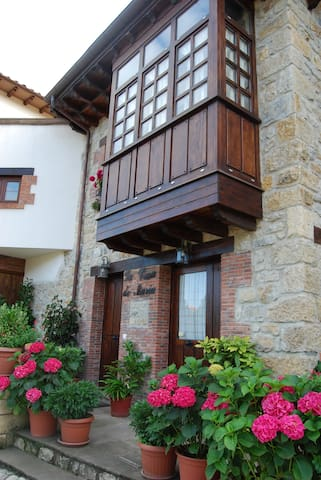 DUPLEX EN CASA MONTAÑESA - Santillana del Mar - Lägenhet