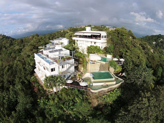 Luxury in Paradise - Manuel Antonio