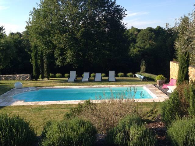 Charmante villa avec piscine. - Saint-Laurent-sur-Sèvre - 別荘