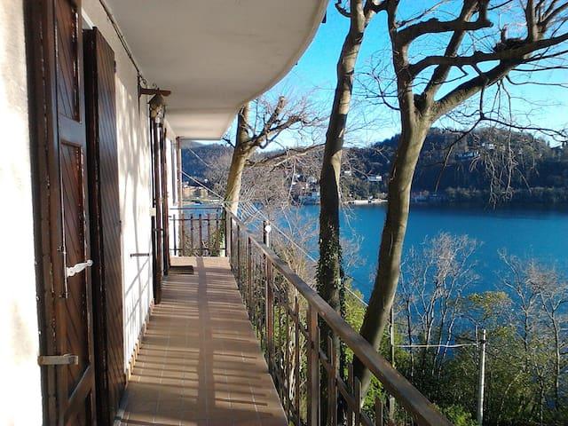 Balcone con vista grande Laveno - Laveno Mombello - Ev