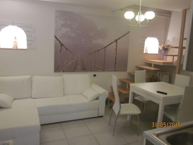 mini suite a pochi passi da pompei - Scafati - Дом