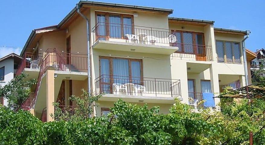 Vila Tsonevi - Balchik - Casa