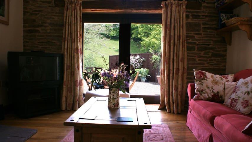 River Cottage @Cwm Mill - Craswall - Hus