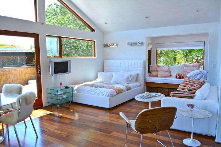 Modern Studio above home in Marin - Кентфилд - Квартира