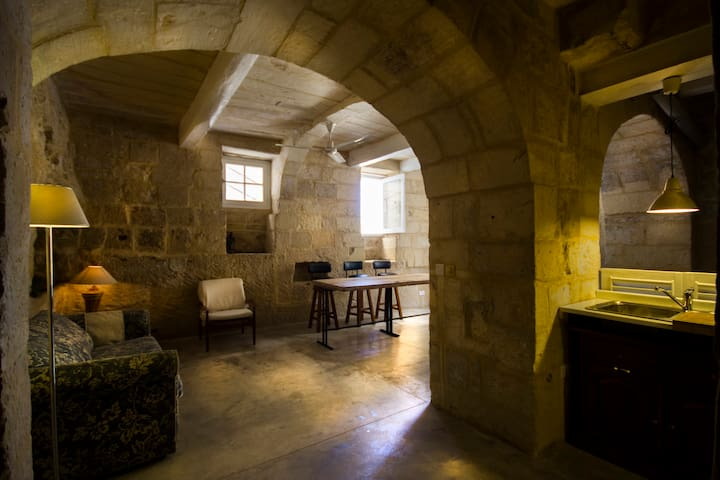 Waterfront historical stone house - Senglea - Appartement