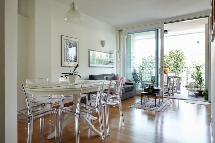 Cozy room in a new home, near Milan - Treviglio