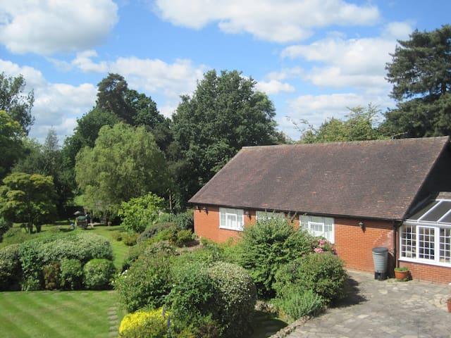 Lavender Cottage beautiful gardens - Yalding - Huis