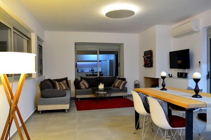 Modern-style apartment quiet centra - Lavrion - Appartamento