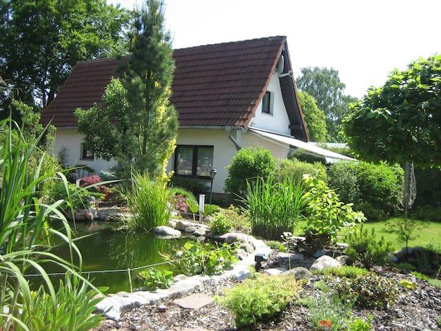 4 Pers. Ferienhaus Teich & Garten - Plau am See - Huis