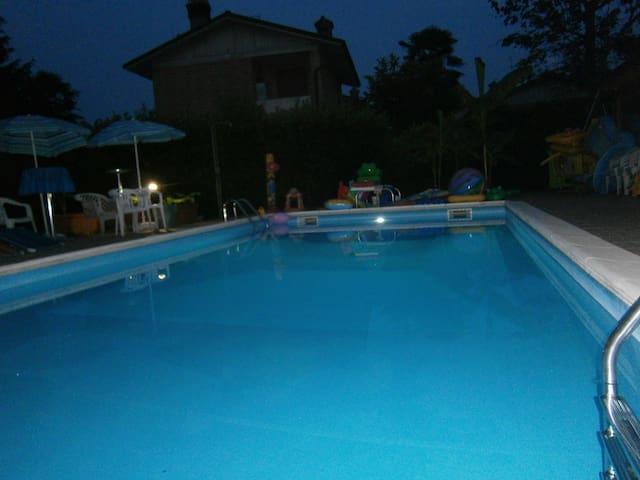 Villa con piscina in brianza - Campofiorenzo - Apartamento