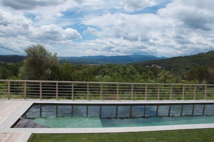 Maison rurale avec piscine naturel - Beuda - Dům