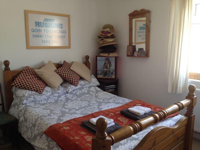 Bright double room in town centre - Bridport - Pis