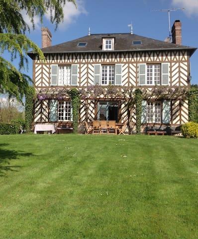 Maison de maître récemment rénovée - Le Mesnil sur Blangy