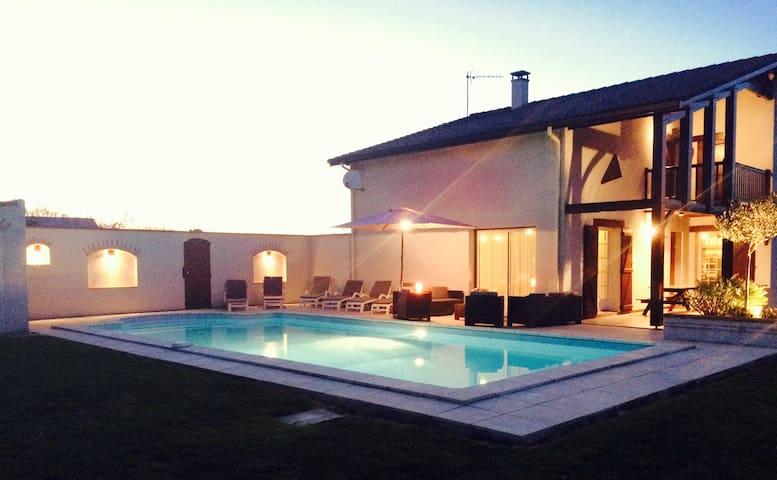 Maison landaise avec piscine 5x10 - Saint-Léon - Casa