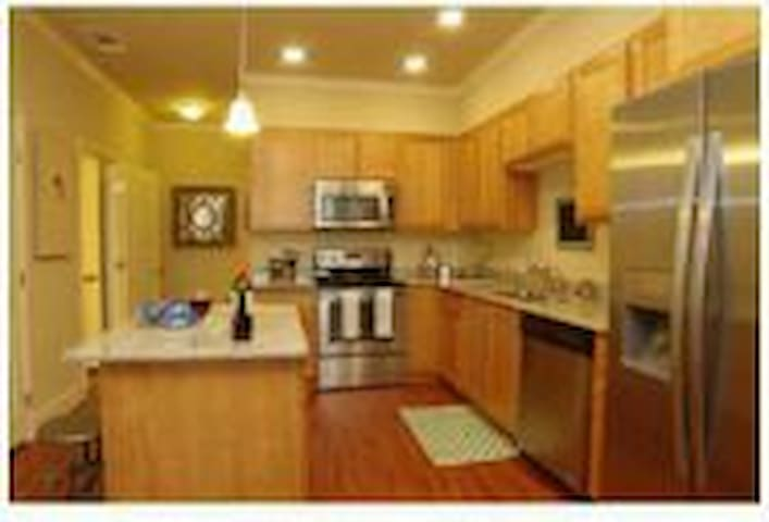 WARM, MODERN AND COZY!! MUST SEE!!! - Vacaville - Apartmen