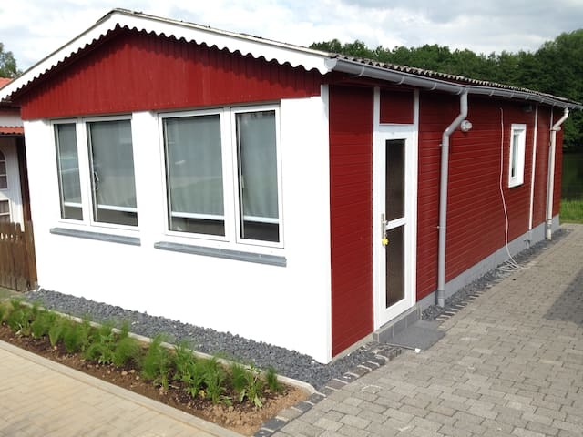 charmantes kleines Haus am See - Herschbach - Huis