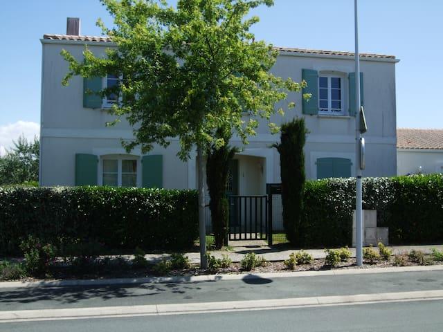Chambre privée - Lagord - Haus