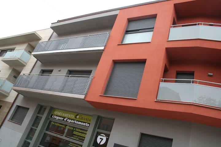 ESTUDIO  en TARREGA centro - Tàrrega - アパート