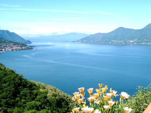 large terrace overlooking the lake - Luino_Bonga - Apartamento