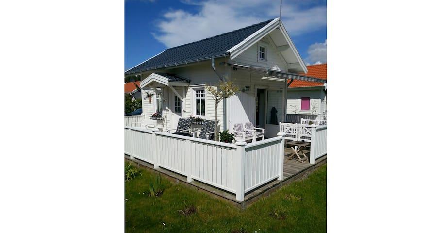 Summer house close to the ocean - Vallda, Kungsbacka V - Talo