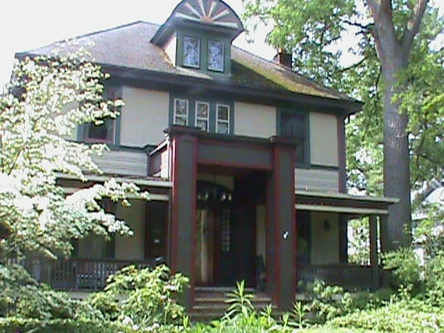 Historic Arts and Crafts Residence - East Aurora