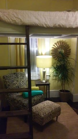 Small Cozy Room in Beautiful House with Loft Bed - Newport - Talo