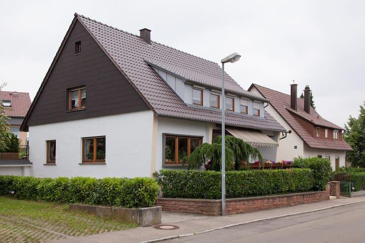 Beautiful little studio for 2 in Filderstadt - Filderstadt - Hus