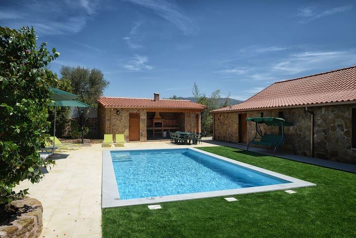 Camélias de Basto - Casa Rural T8  - Codeçoso