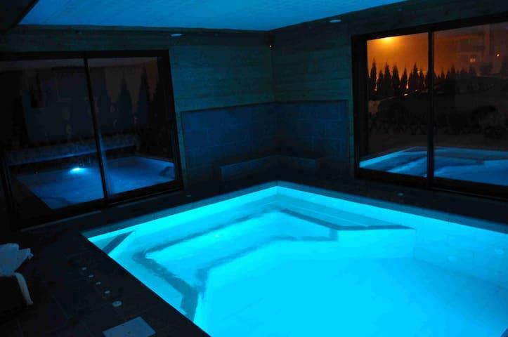 Chalet de charme  piscine balneo - Taninges - Daire