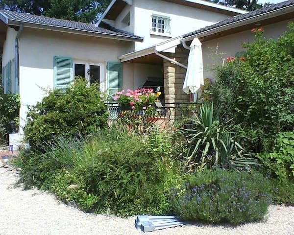 Il Caprifoglio - Saint-Didier-de-Formans - Casa