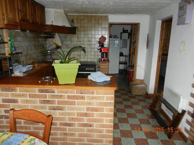 Appartement F2 de plain pied indépendant - Bellecombe-en-Bauges