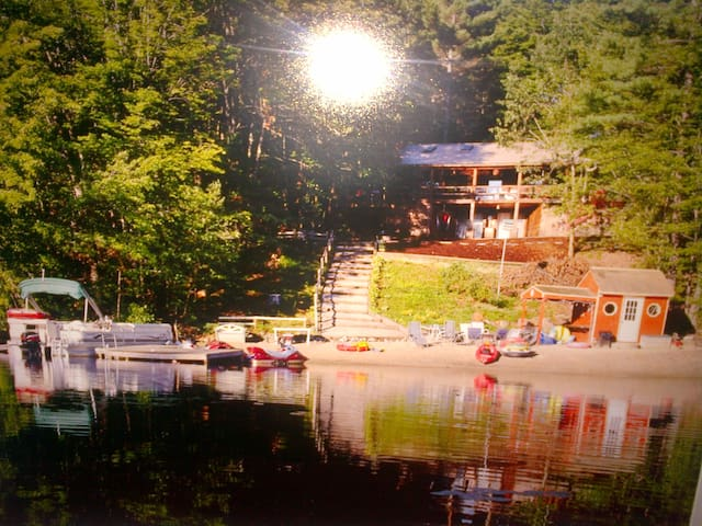 Lakefront Cabin Priv Beach, Hot Tub - Wakefield - Ev